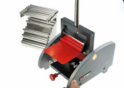 Dispositivo per prova di piegatura cilindrica